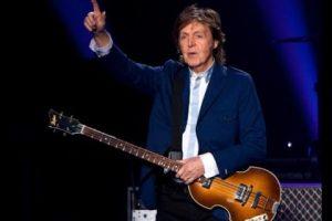 Paul McCartney compie 75 anni: Get Back, con testo e video