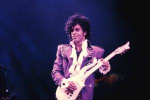 Un anno fa scompariva Prince: When Doves Cry, con testo e video