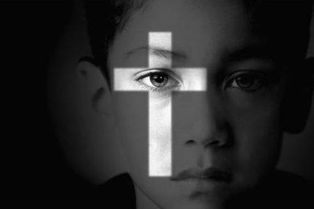 Pedofilia Vaticana Arrestato prete per pedofilia