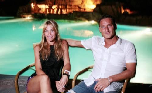 Anniversario Matrimonio Totti.Francesco Totti E Ilary Blasi Festeggiano Il Loro Anniversario Di