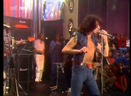 In ricordo di Bon Scott: AC/DC – Little Lover, con testo e video