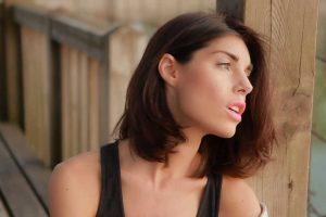 Bianca Atzei – Abbracciami perdonami gli sbagli, con testo e video