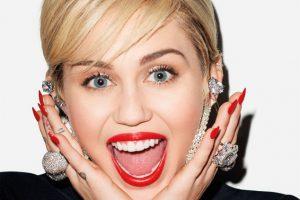 Miley Cyrus – Malibu, con testo e video