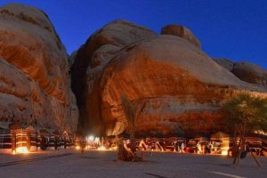 Avventura viaggi  Wadi Rum esperienza straordinaria affascinante intrigante