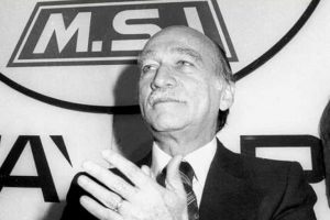 Giorgio Almirante straordinario indomito oratore muore 22 maggio 1988