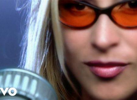 Anastacia – Caught In The Middle, con testo e video