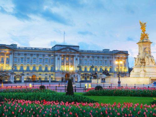 Carlo d'Inghilterra da re addio a Buckingham Palace