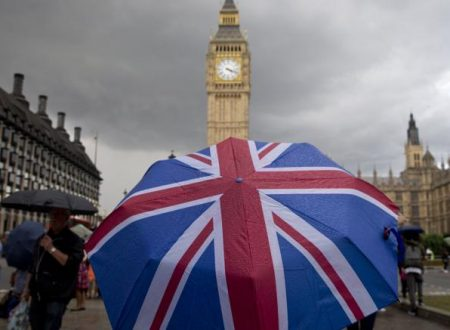 Gran Bretagna 10mila sterline come 'eredità di cittadinanza'