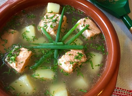 Ukha la zuppa di pesce tradizionale russa