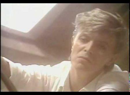 Due anni fa moriva David Bowie: Look Back In Anger, con testo e video