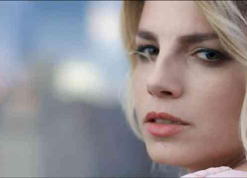 Emma Marrone – Stupida allegria, con testo e video