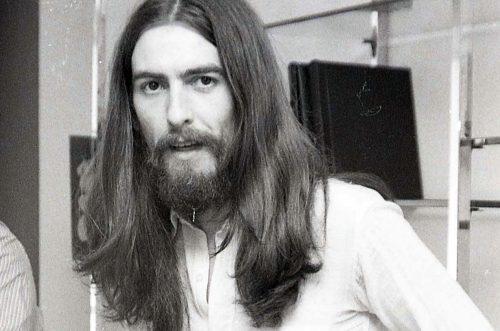 George Harrison avrebbe 76 anni : Blow Away, con testo e video ufficiale