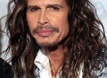 Auguri a Steven Tyler : Aerosmith – Crazy, con testo e video