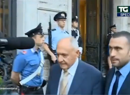 Paolo Savona muto con l'inviato del TGLa7. Ira di Mentana