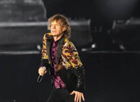 Mick Jagger oggi fa 75 anni : Rolling Stones – Fingerprint File, con testo e video