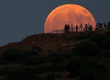 Eclissi totale Luna rossa per 103 minuti notte tra 27-28 luglio