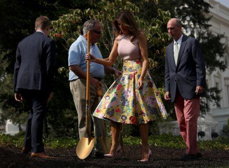 La First Lady Melania Trump e il giardinaggio 'Chic'