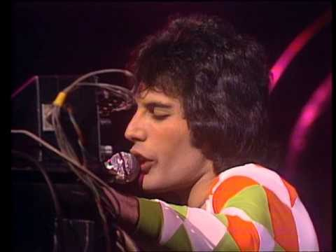 Ricordando Freddie Mercury : Queen – Las palabras de amor (The Words of Love), testo e video