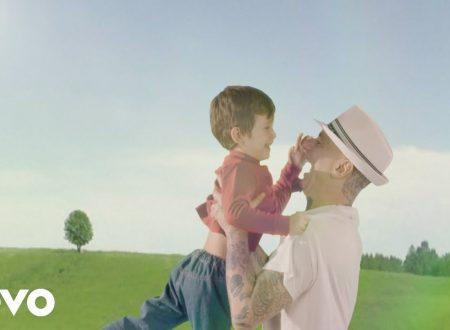 J-AX – Tutto tua madre, con testo e video ufficiale