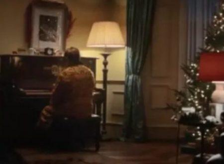 Elton John e lo spot natalizio da brividi