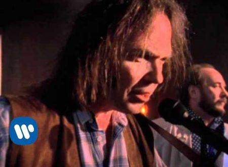 Auguri Neil Young : Hey Hey, My My (Into The Black), con testo e video