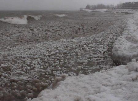 In Canada un lago di bolle di ghiaccio