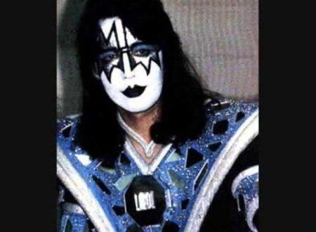 Auguri ad Ace Frehley : Kiss – Parasite , con testo e video