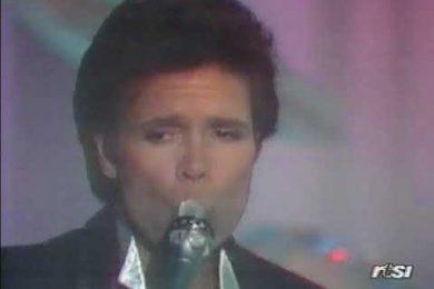 Auguri Cliff Richard – Ocean Deep, con testo e video