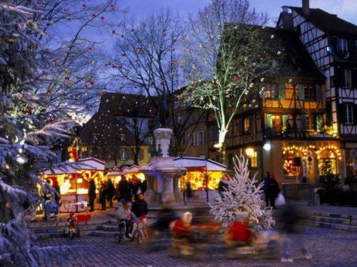 Viaggi Natale 2019 Colmar percorso della luce tra i mercatini