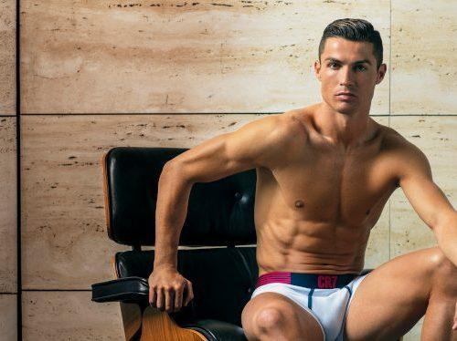 Cristiano Ronaldo feste in allenamento