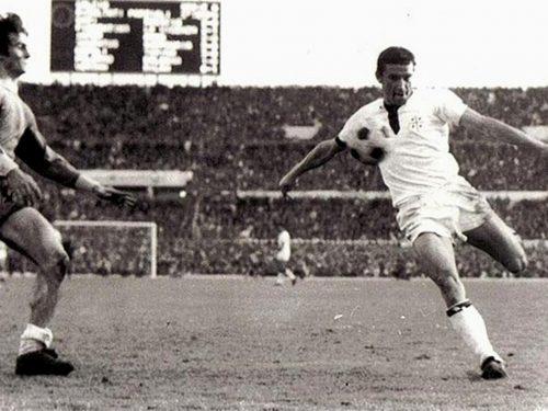 Cagliari Calcio 100 anni 1 Scudetto e il mito di Rombo di Tuono
