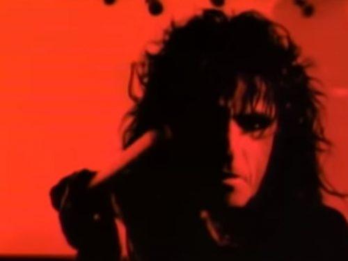 Buon compleanno Alice Cooper : Bed of Nails, testo e video ufficiale
