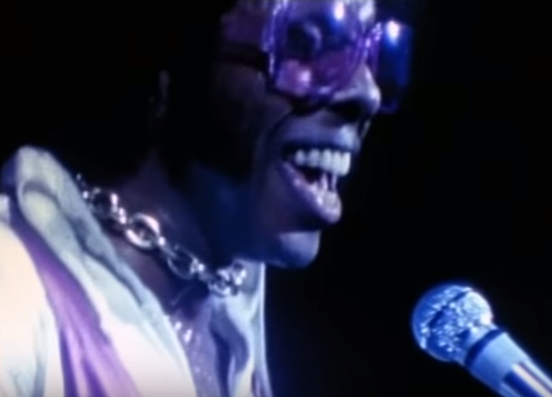 Auguri a Sly Stone : Sly and The Family Stone – Higher And Higher, testo e video