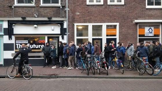 Coronavirus in Olanda file per la cannabis.