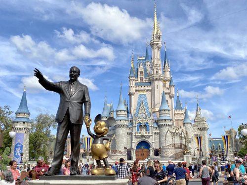 Coronavirus anche Topolino licenzia bloccati 200 italiani a Orlando