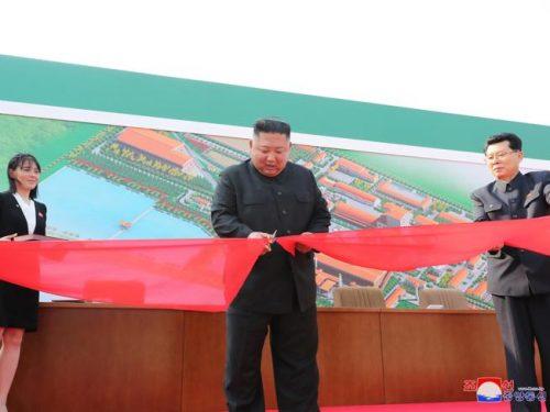 Corea del Nord dopo 20 giorni ricompare Kim Jong-un