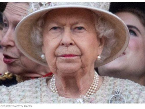Il coronavirus 'ferma' Elisabetta II