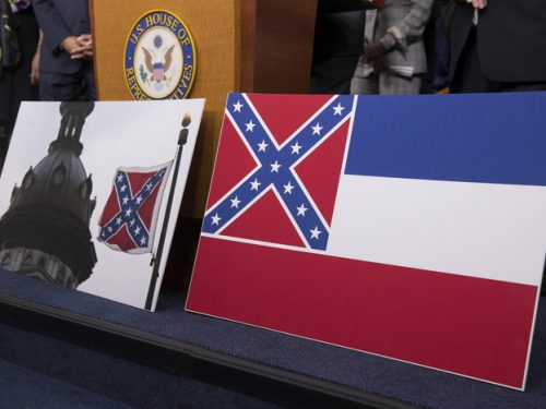 Svolta anti razzista del Mississippi via il vessillo confederato