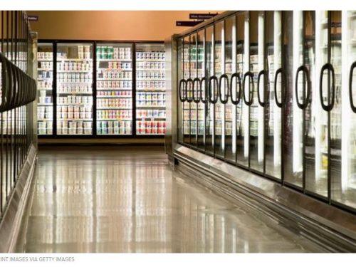 Roma muore all'interno di un supermarket e i clienti lo fotografano