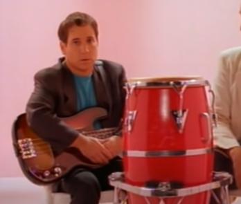 Auguri a Paul Simon : You Can Call Me Al, testo e video ufficiale