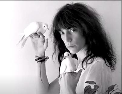 Buon compleanno Patti Smith – Frederick con testo e video