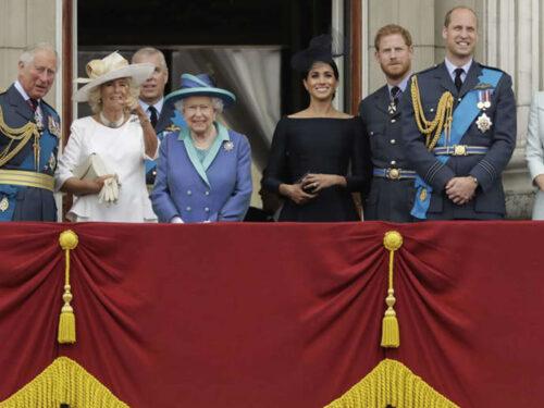 Regno Unito, Elisabetta II pronta a schierare l'avvocato contro Harry e Meghan